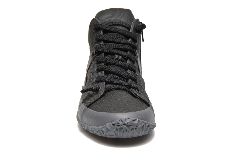 Baskets Camper Capas K400052 Noir vue portées chaussures