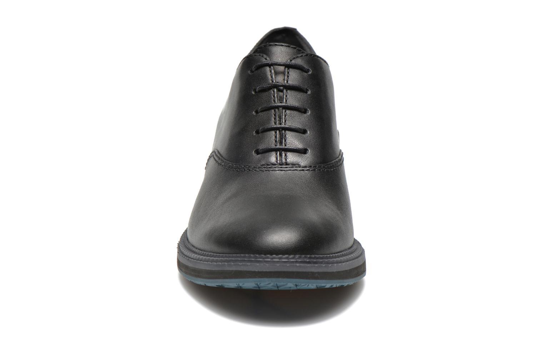 Chaussures à lacets Camper Magna K200032 Noir vue portées chaussures