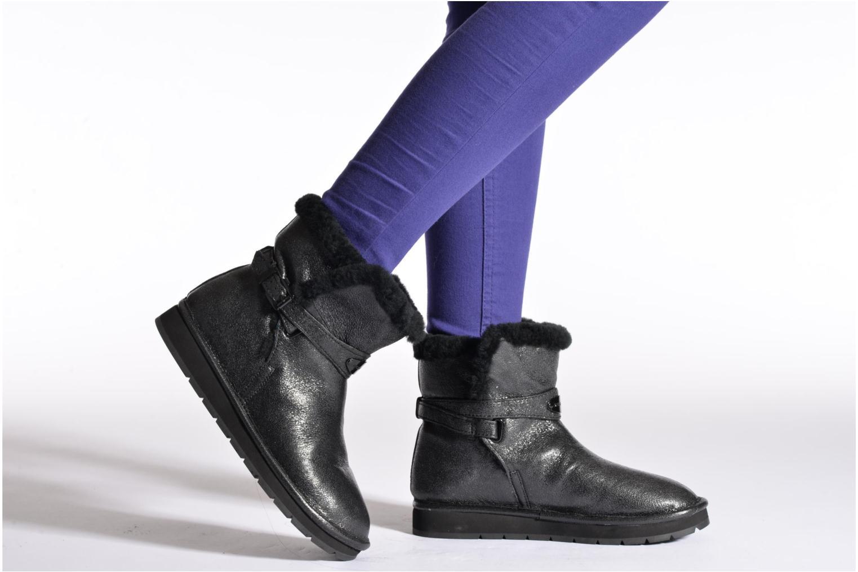 Stiefeletten & Boots Michael Michael Kors Sandy bootie schwarz ansicht von unten / tasche getragen