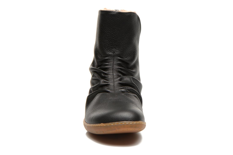Bottines et boots El Naturalista Viajero NE13 Noir vue portées chaussures