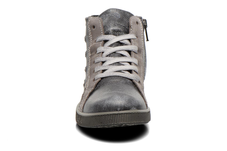 Sneaker Primigi Rival grau schuhe getragen