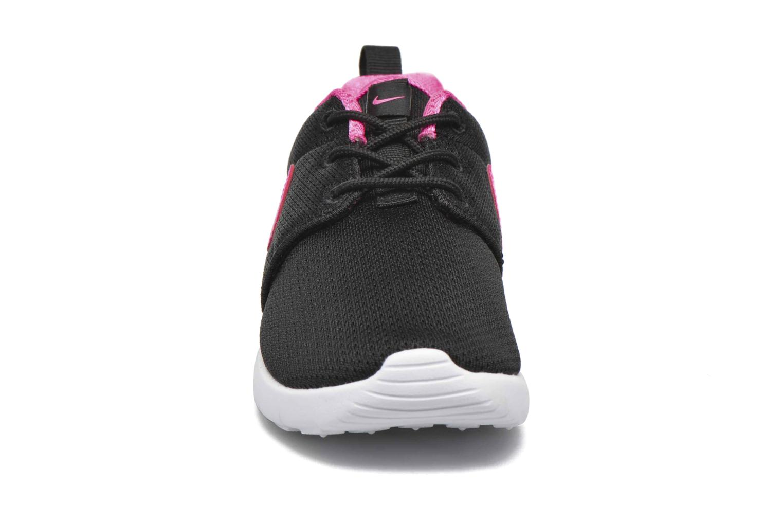 Baskets Nike Nike Roshe One (Ps) Noir vue portées chaussures