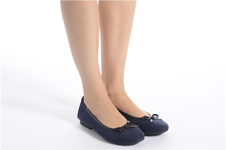 Ballerinas Jana shoes Aciego rosa ansicht von unten / tasche getragen