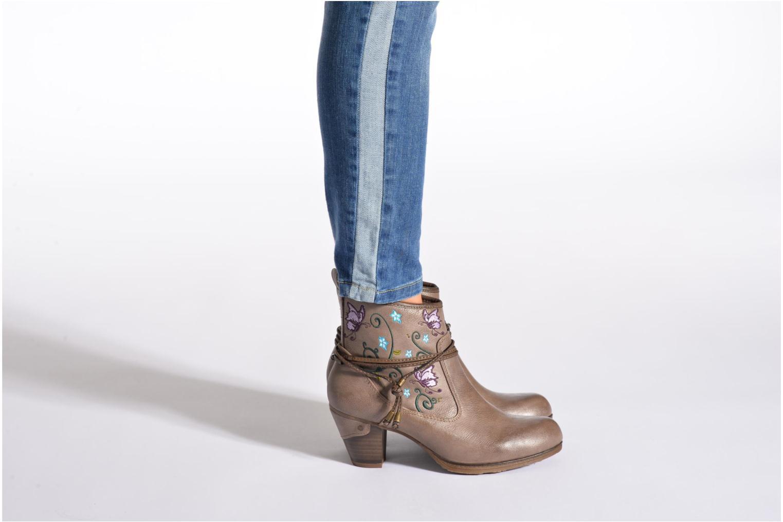 Bottines et boots Mustang shoes Maled Gris vue bas / vue portée sac