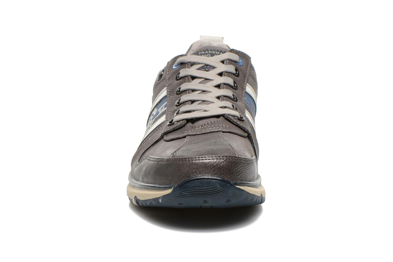 Baskets Mustang shoes Hilim Gris vue portées chaussures