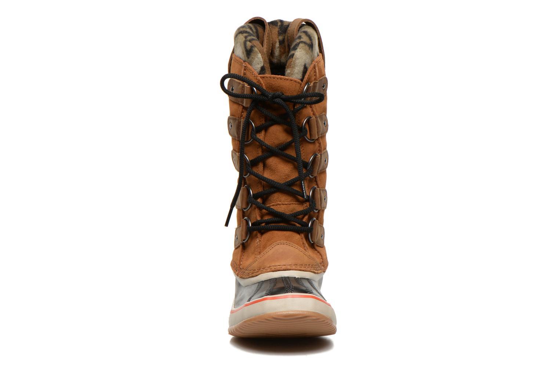 Bottines et boots Sorel Joan of Artic Knit II Marron vue portées chaussures