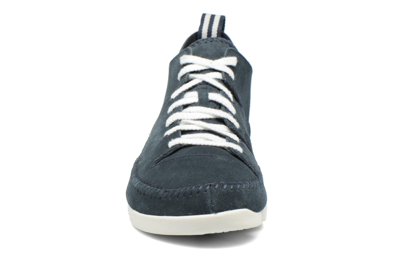 Baskets Clarks Originals Trigenic Flex M Bleu vue portées chaussures