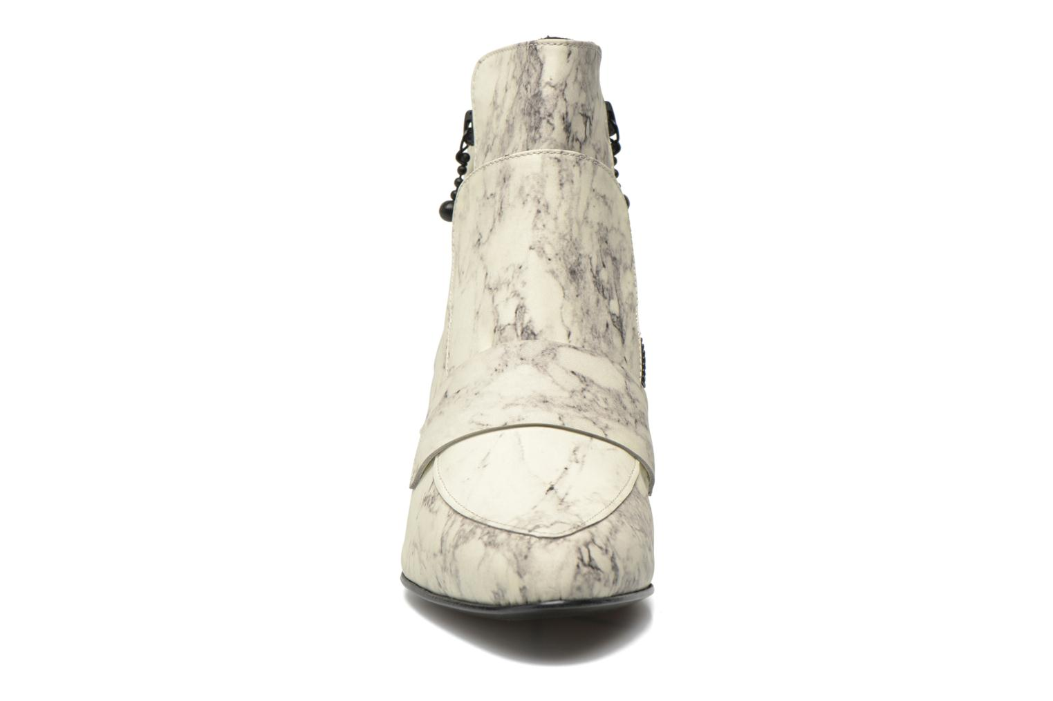 Bottines et boots Opening Ceremony Marble Leather Zan Loafer Bootie Blanc vue portées chaussures