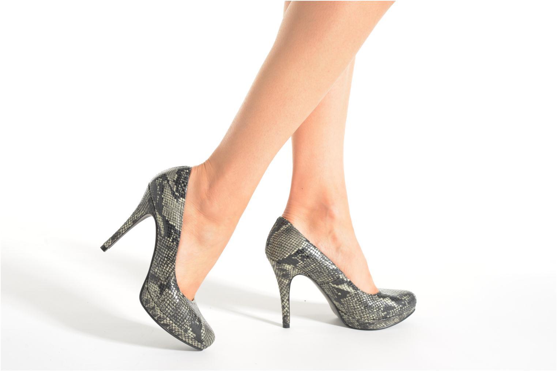 Zapatos de tacón Anna Volodia Copla Beige vista de abajo