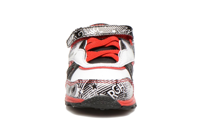 Baskets Reebok Pixar Ventilator Blanc vue portées chaussures