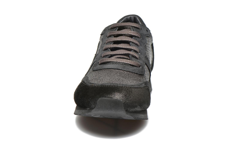 Baskets Pataugas Idol/S Noir vue portées chaussures
