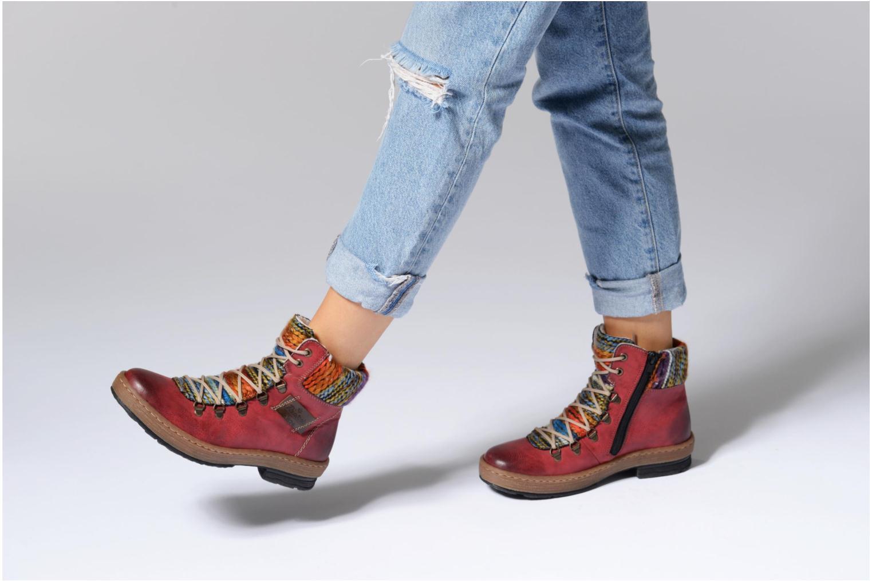 Stiefeletten & Boots Rieker Ilam Z6743 weinrot ansicht von unten / tasche getragen