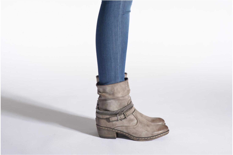 Bottines et boots Rieker Kady K1496 Marron vue bas / vue portée sac