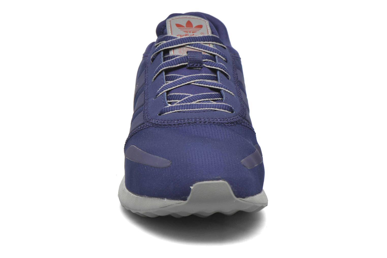 Baskets Adidas Originals Los Angeles Bleu vue portées chaussures