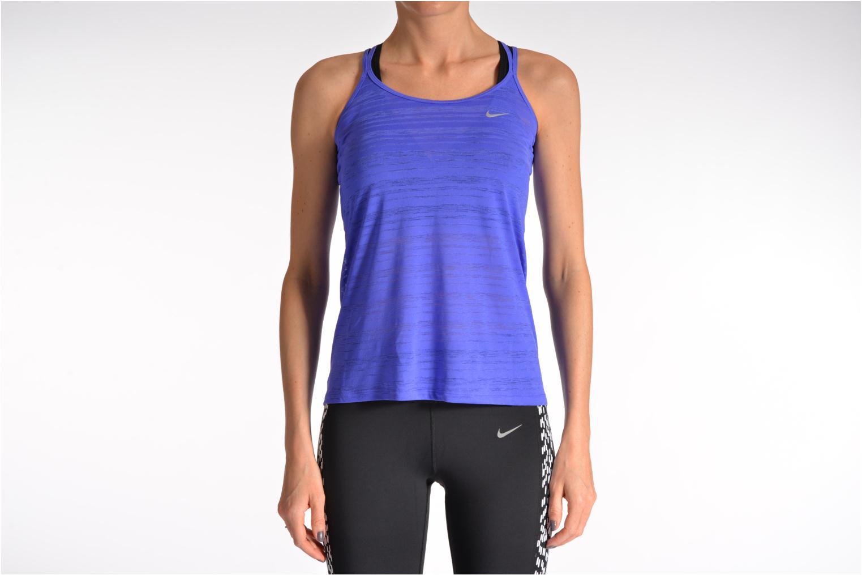 Sonstiges Nike Nike Df Cool Breeze Strappy Ta lila ansicht von unten / tasche getragen
