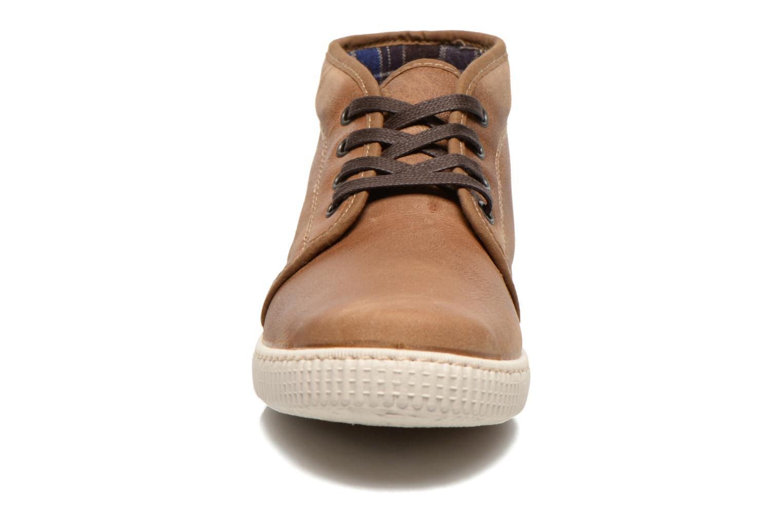 Baskets Victoria Chukka Piel Marron vue portées chaussures