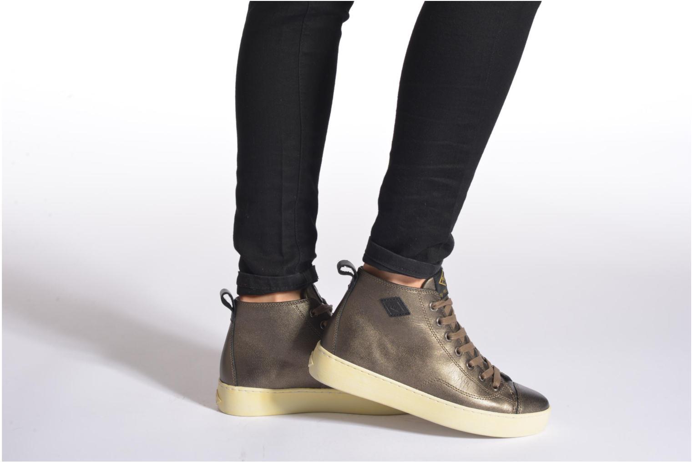 Sneaker P-L-D-M By Palladium Grovetown Got gold/bronze ansicht von unten / tasche getragen