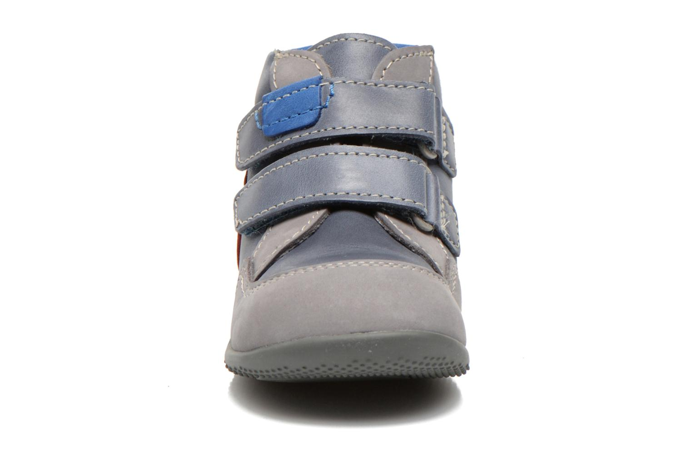 Stivaletti e tronchetti Kickers Bi Too Azzurro modello indossato