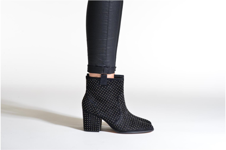 Bottines et boots Rebecca Minkoff Blake Stud Beige vue bas / vue portée sac