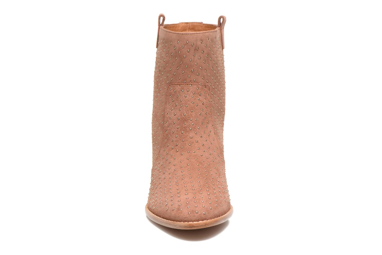 Bottines et boots Rebecca Minkoff Blake Stud Beige vue portées chaussures