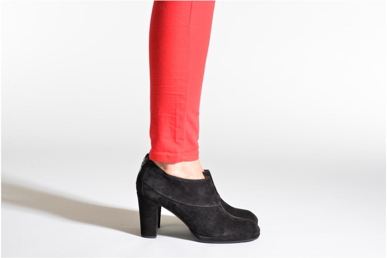 Bottines et boots Stonefly Greta 1 Noir vue bas / vue portée sac