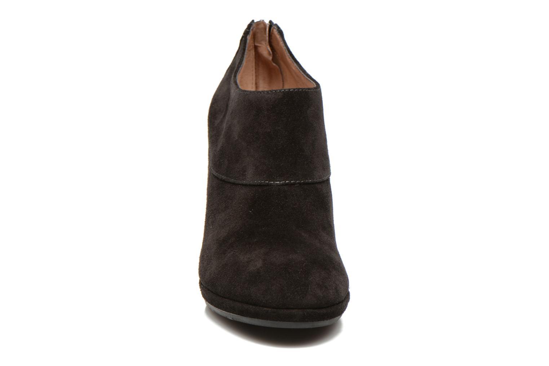 Bottines et boots Stonefly Greta 1 Noir vue portées chaussures