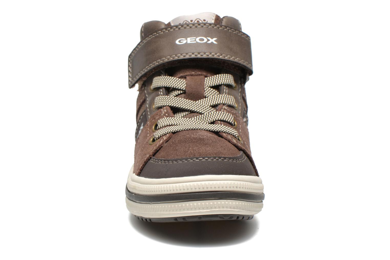 Baskets Geox J Elvis D Marron vue portées chaussures