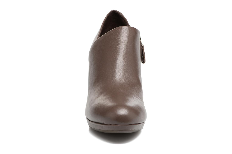 Bottines et boots Geox D LANA B D54Q6B Marron vue portées chaussures