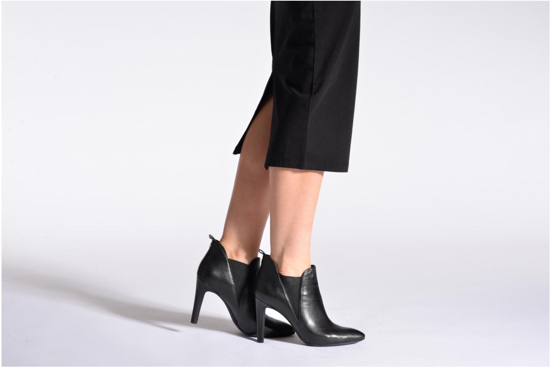 Stiefeletten & Boots Geox D CAROLINE B D54W1B schwarz ansicht von unten / tasche getragen