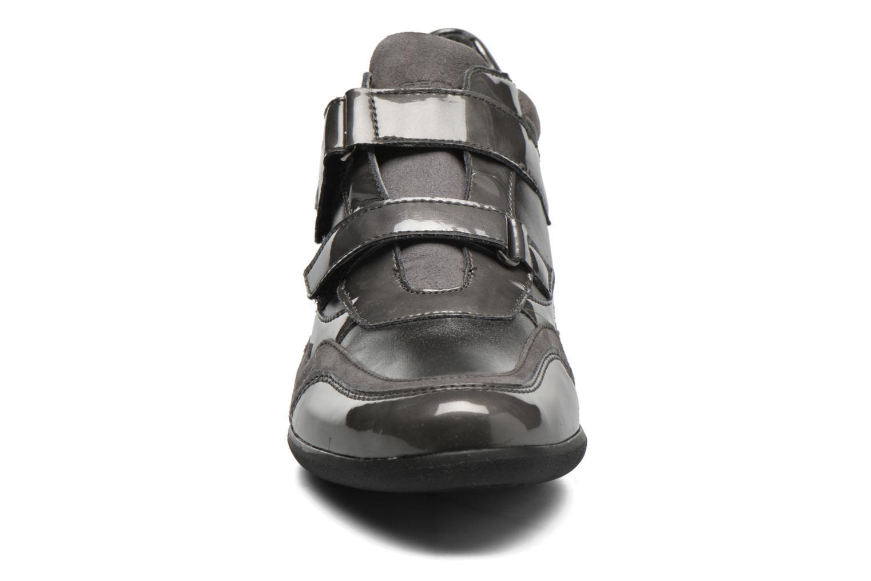 Sneaker Geox D PERSEFONE A D540RA grau schuhe getragen