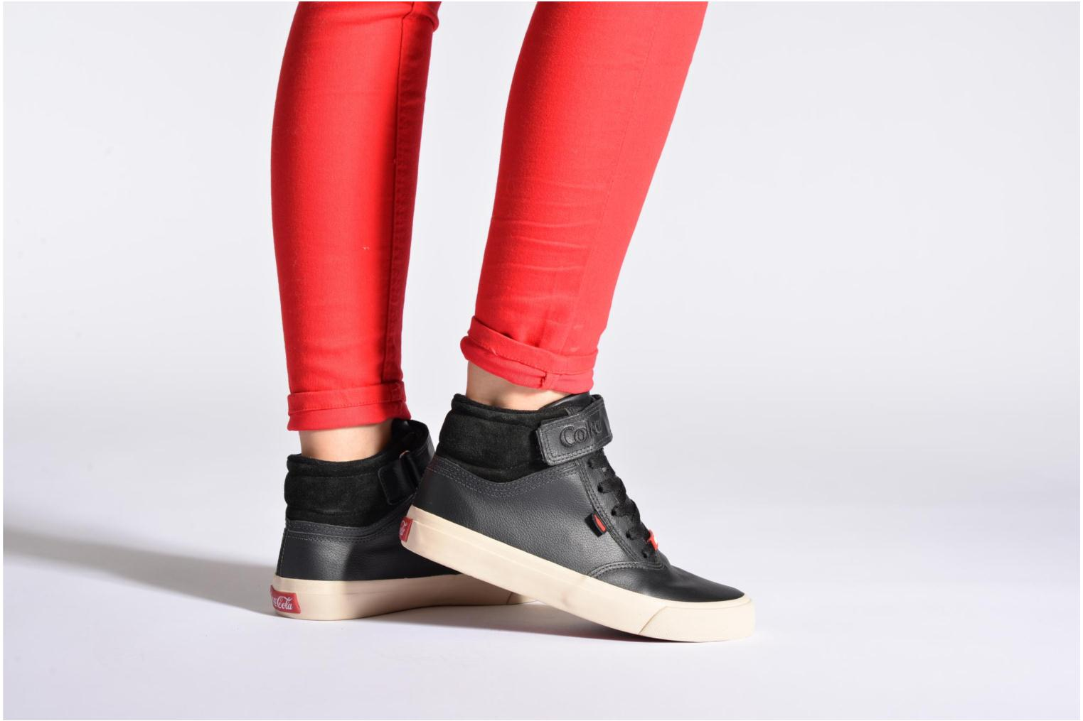 Trainers Coca-cola shoes Mika leather Black view from underneath / model view