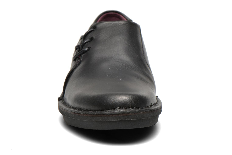 Zapatos con cordones Kickers CRUZ Negro vista del modelo