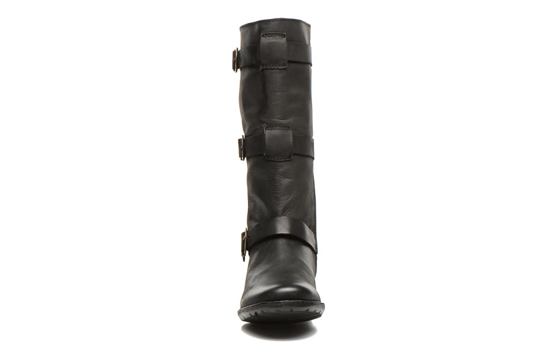 Boots Kickers Growup Svart bild av skorna på