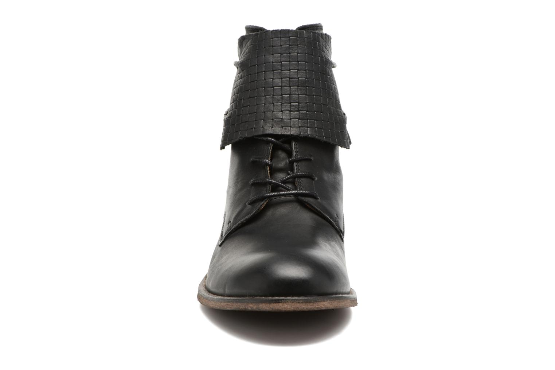 Stivaletti e tronchetti Kickers Punkyzip Nero modello indossato