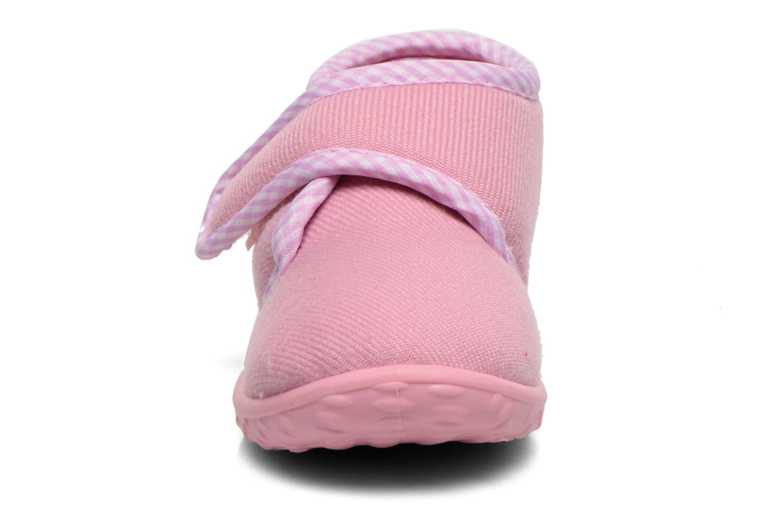 Pantofole Chicco Terence Rosa modello indossato
