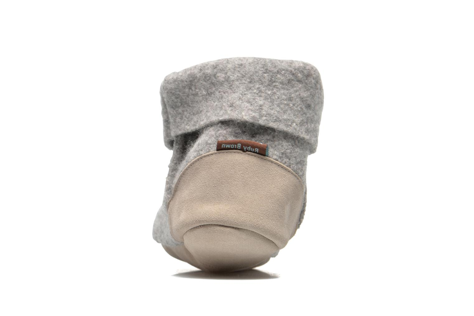Chaussons Ruby Brown Ladies Bootee with Suede Gris vue droite