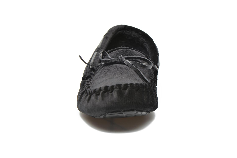 Hausschuhe Ruby Brown John schwarz schuhe getragen
