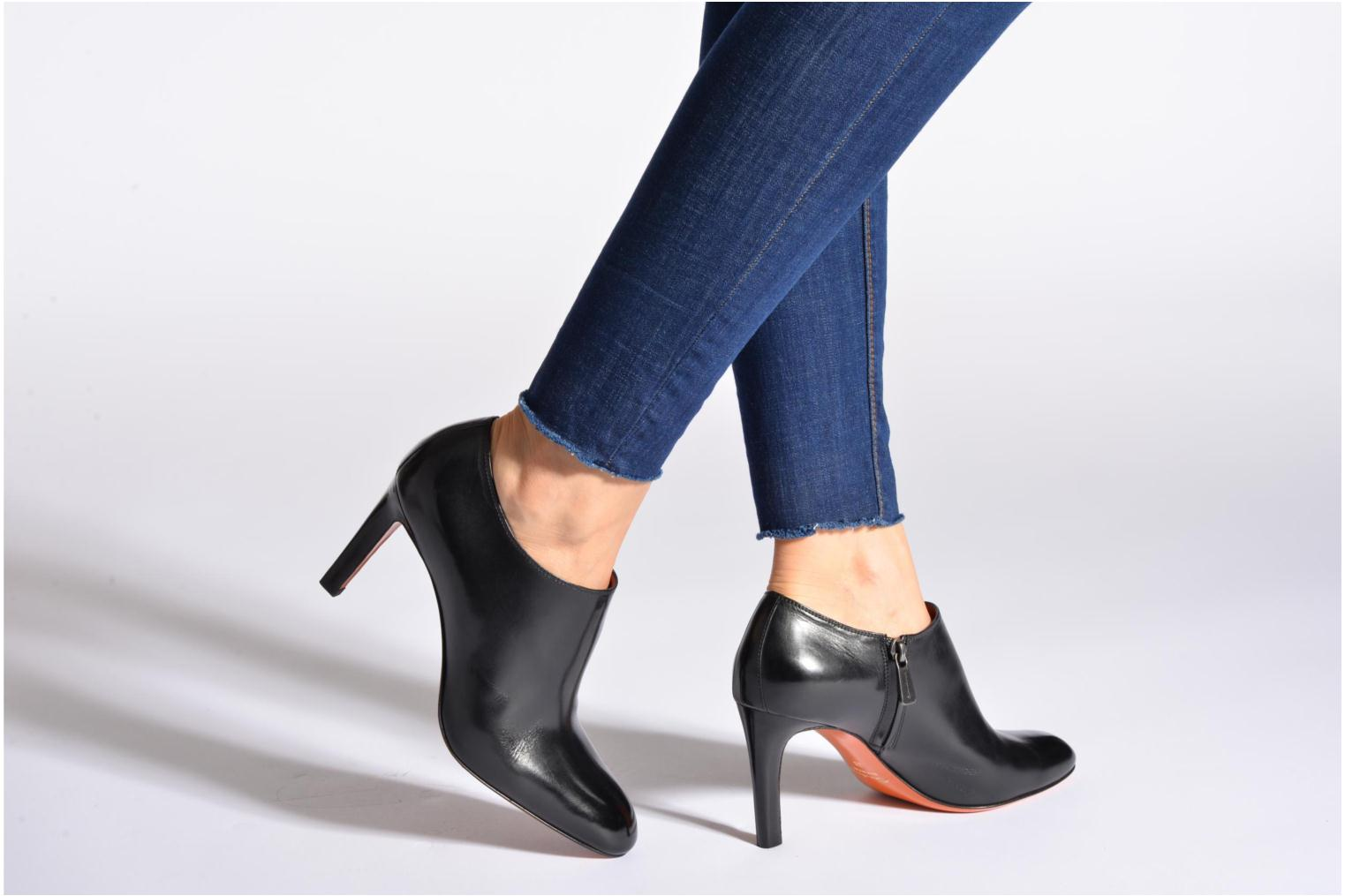 Ankle boots Santoni Moss 53395 Black view from underneath / model view