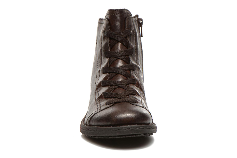 Snøresko Khrio Recasteli Brun se skoene på