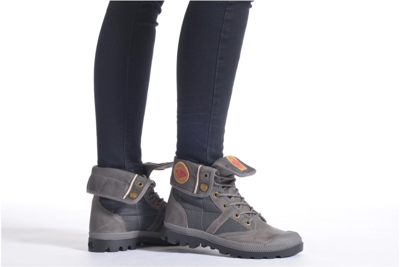 Sneaker Palladium Baggy Exp Rnl U schwarz ansicht von unten / tasche getragen