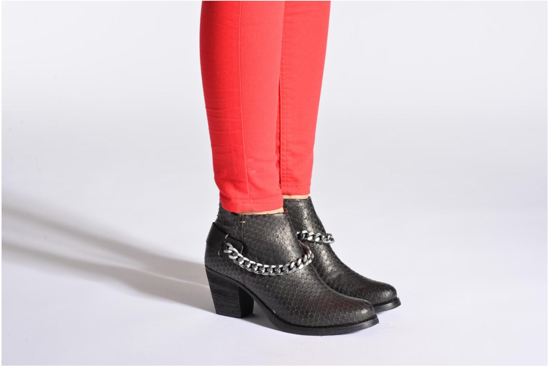 Stiefeletten & Boots Khrio Pito schwarz ansicht von unten / tasche getragen