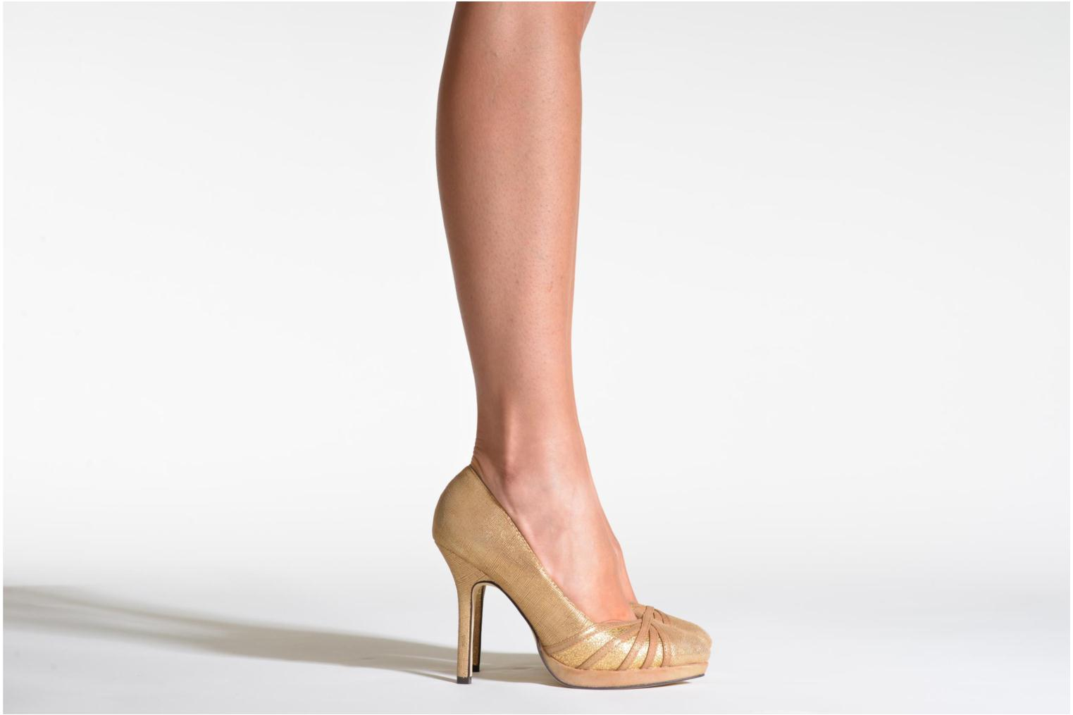 High heels Menbur Lisle Bronze and Gold view from underneath / model view