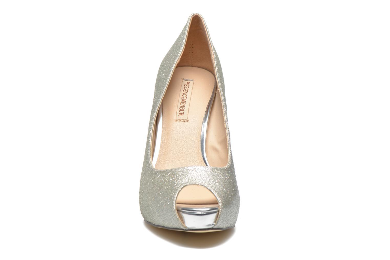 Zapatos de tacón Menbur Bailen Plateado vista del modelo
