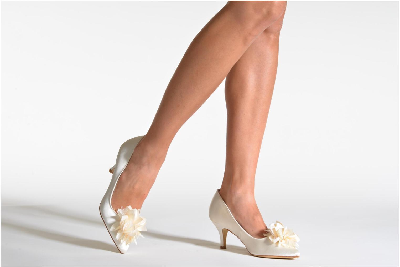 Zapatos de tacón Menbur Yves Blanco vista de abajo