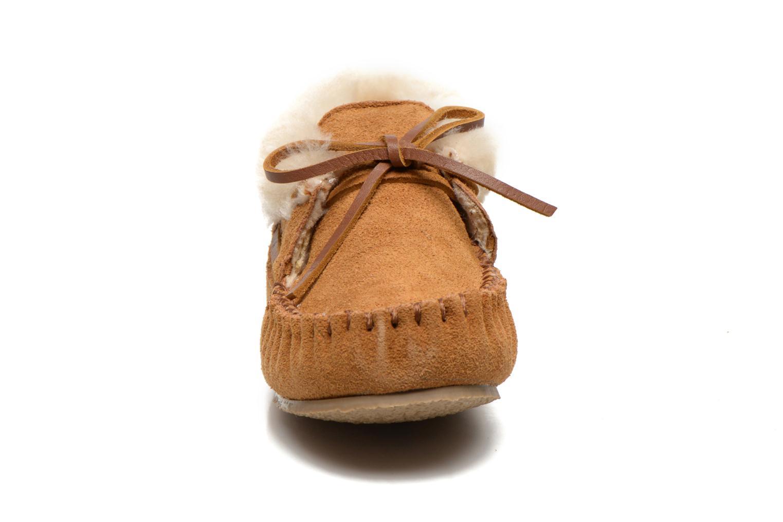 Bottines et boots Minnetonka Charley Beige vue portées chaussures