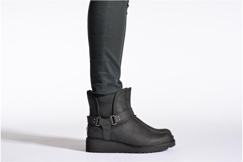 Bottines et boots UGG Glen Noir vue bas / vue portée sac
