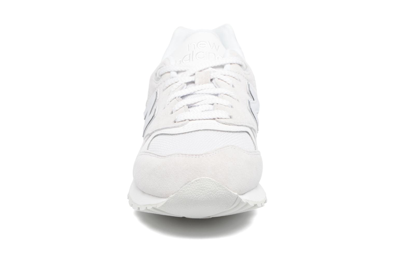 Baskets New Balance WL999 Blanc vue portées chaussures