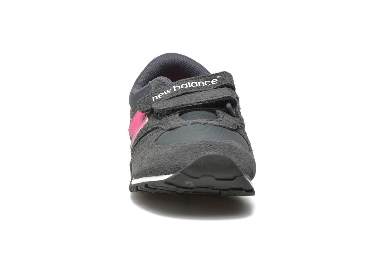 Baskets New Balance KE420 I Gris vue portées chaussures