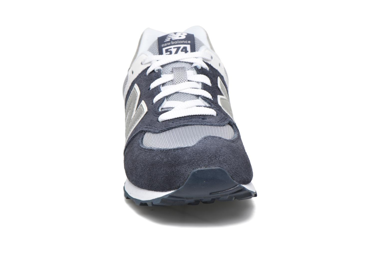 Sneakers New Balance KL574 J Azzurro modello indossato