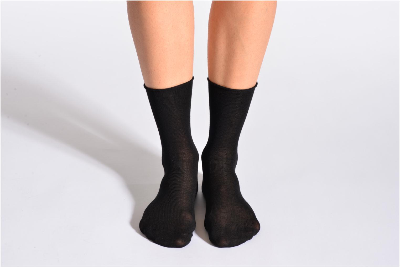 Sokken en panty's BLEUFORÊT Chaussettes fleur de peau Zwart detail